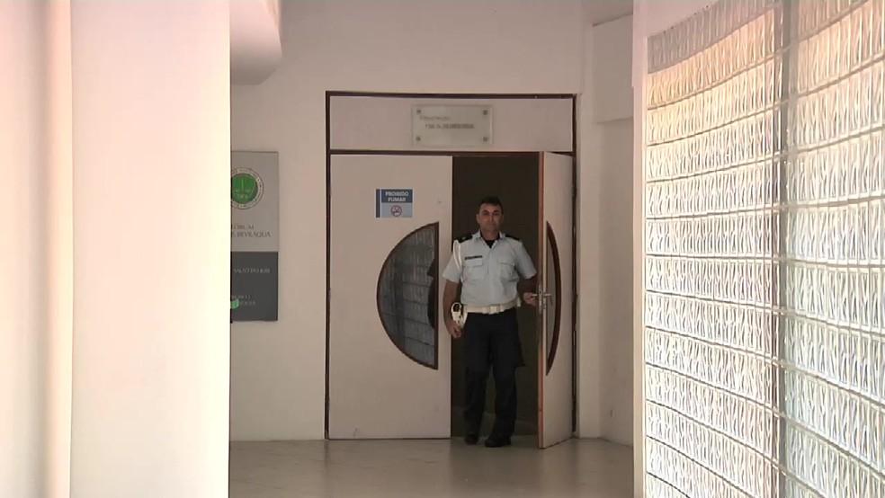 Crime ocorreu na Segunda Vara Criminal, no Fórum Clóvis Beviláqua, em Fortaleza (Foto: TV Verdes Mares/Reprodução)