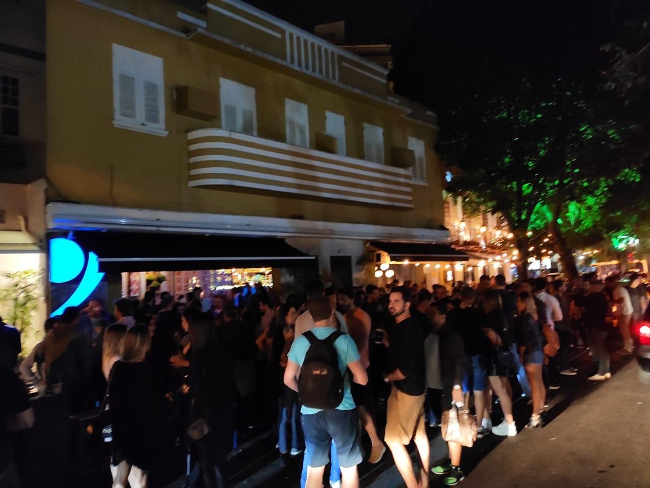 Após aglomerações, clientes somem dos bares do Rio na noite de sexta-feira