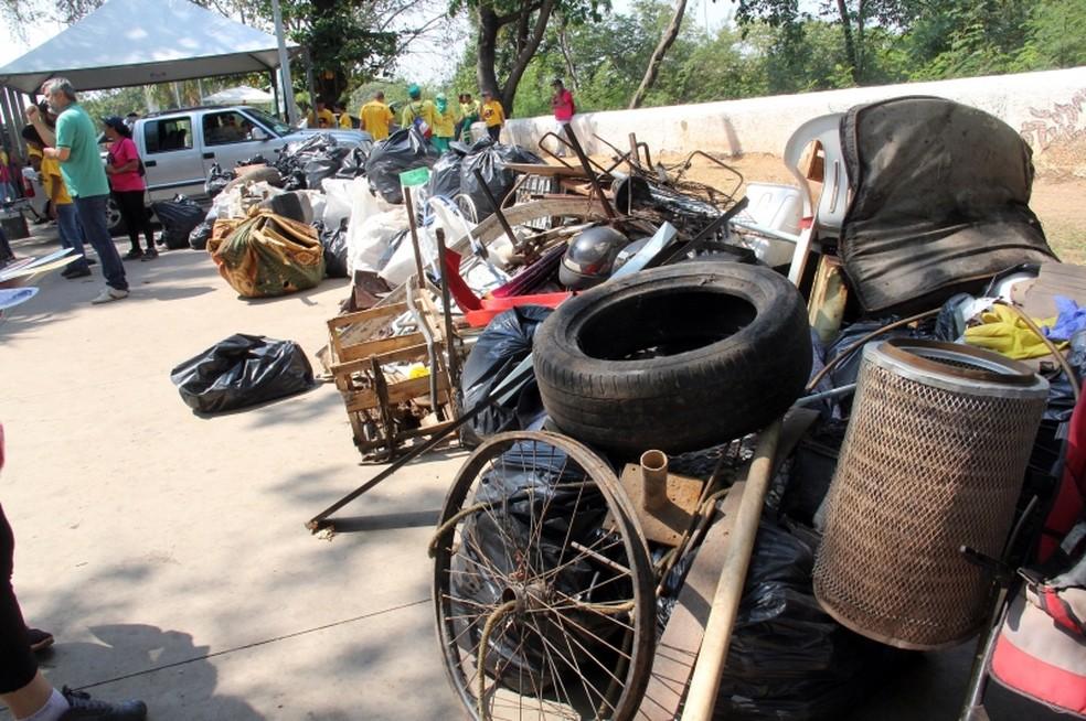 Lixo retirado do Rio Cuiabá — Foto: Luiz Alves/Prefeitura de Cuiabá