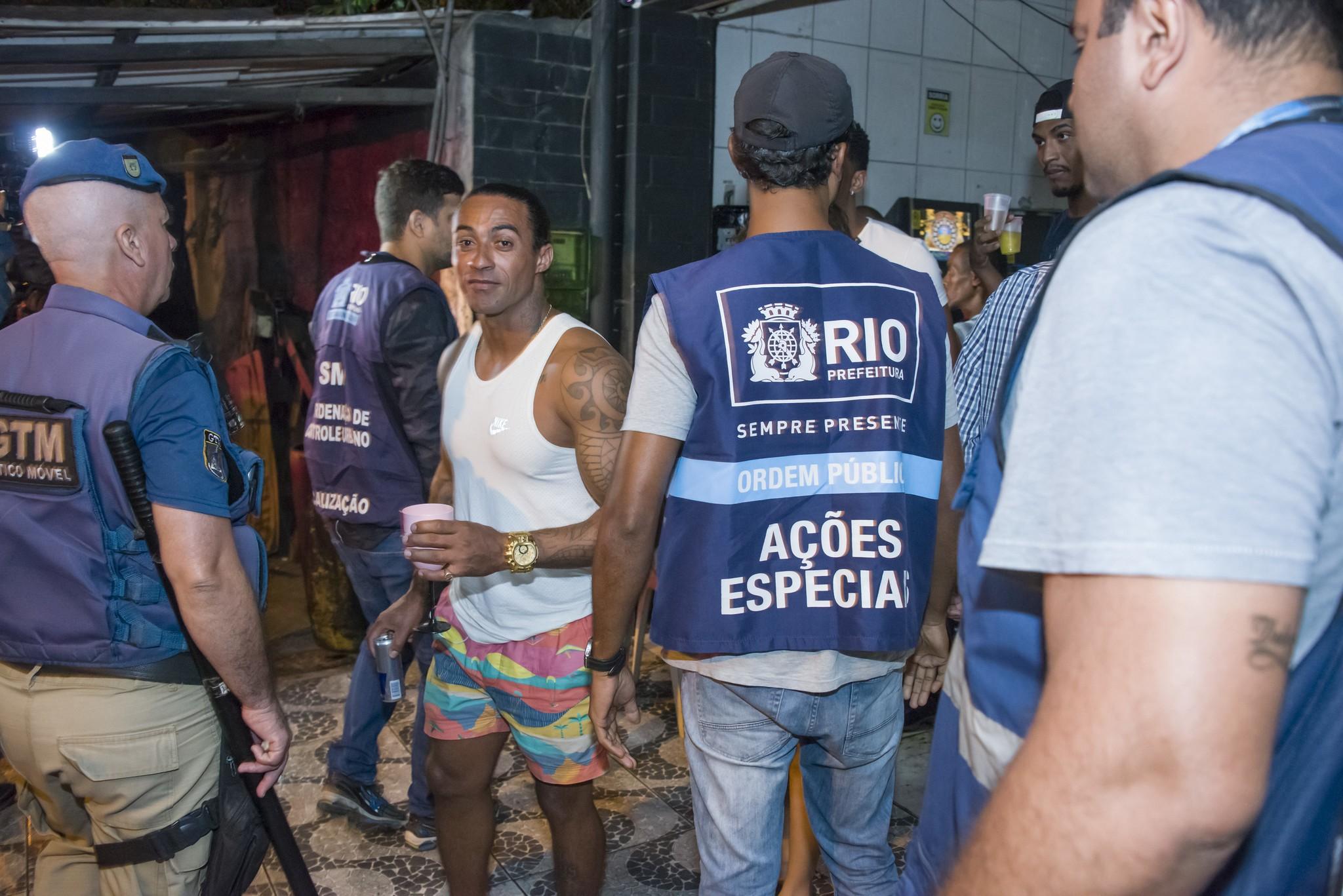 Contra o coronavírus, Prefeitura do Rio passa a usar sinais de celulares para combater aglomerações