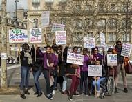 Chime for Change lança nova zine e apresenta novidades da campanha #StandWithWomen