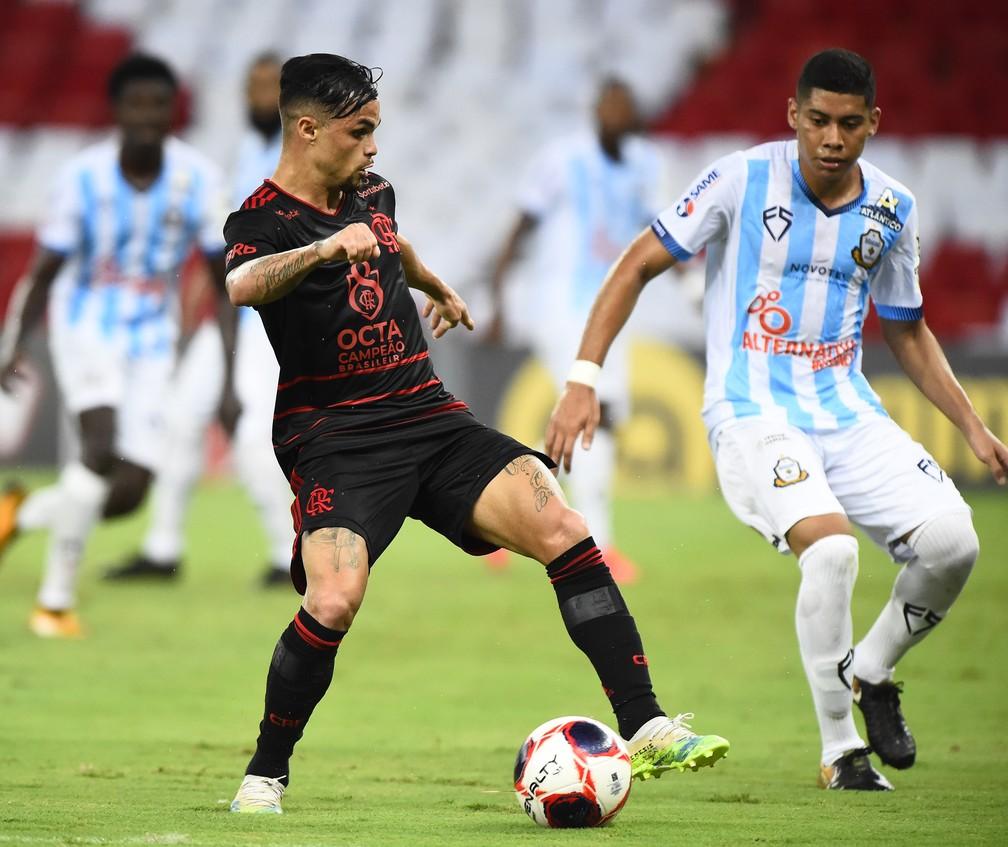 Michael na partida contra o Macaé, pelo Campeonato Carioca — Foto: André Durão