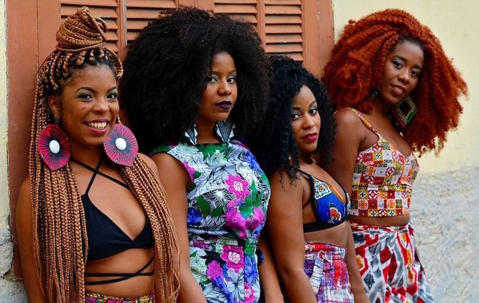 As passistas do Projeto Samba Pretinha