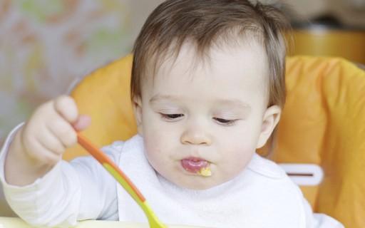 """Introdução alimentar: Afinal, qual é a idade correta e segura?"""""""