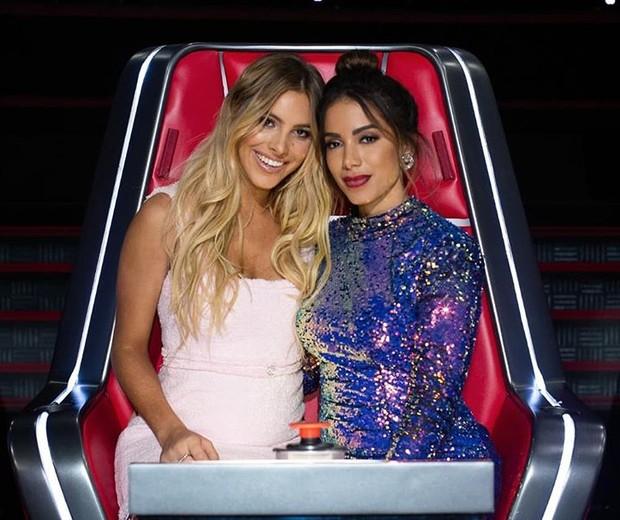 Anitta e Lele Pons no La Voz (Foto: Reprodução/Instagram)