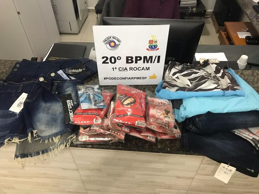 Ele furtou roupas femininas e masculinas, itens para academia e um aparelho de barbear (Foto: Divulgação/ Polícia Militar)
