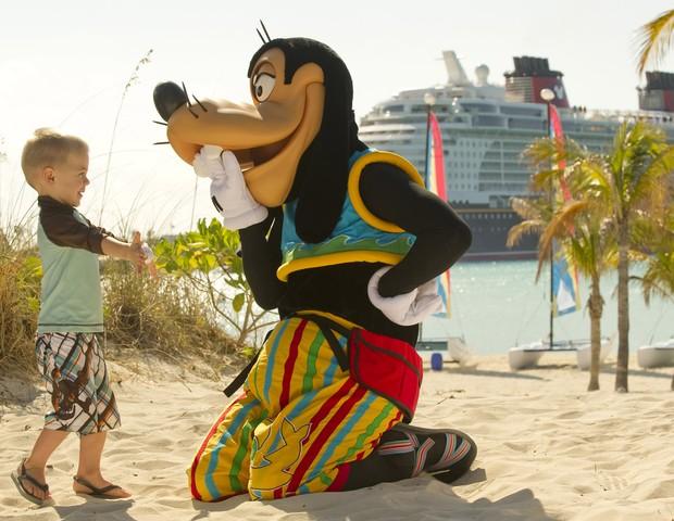 Encontro com personagens até na ilha Castaway Cay (Foto: Divulgação)