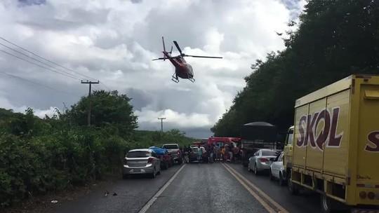 Colisão entre carro e caminhão deixa feridos na BR-104, no interior de Alagoas