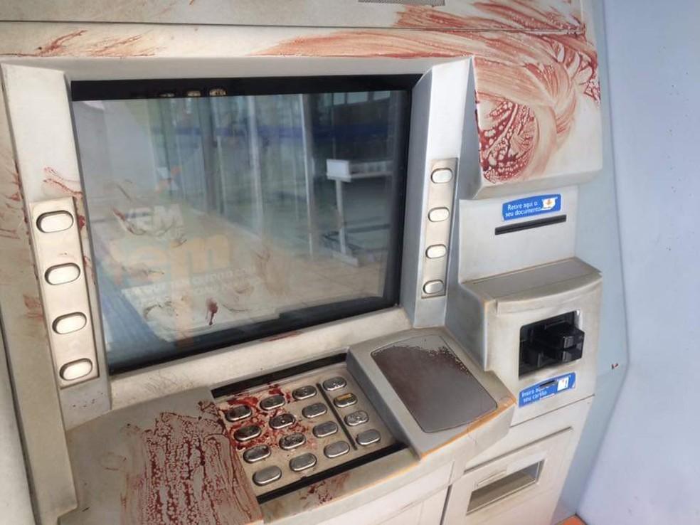 Caixa eletrônico em agência bancária de Maués — Foto: Divulgação/PM