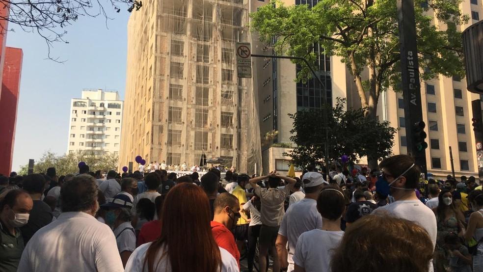 Manifestantes em fotos do MBL e Vem Pra Rua na Paulista — Foto: Deslange Paiva/G1