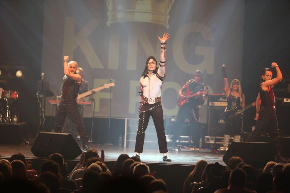 5fd7c5b56c ... Legacy Michael Jackson Revival' chega ao Brasil no Teatro Polytheama —  Foto: