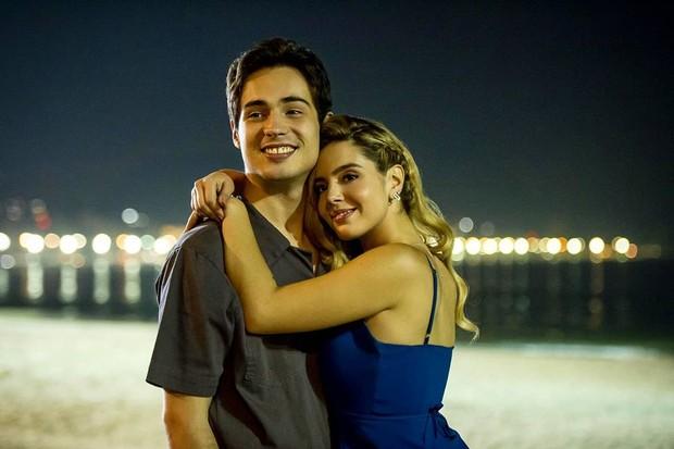 Giovanna Lancellotti e Danilo Mesquita em Ricos de Amor (Foto: Divulgação)