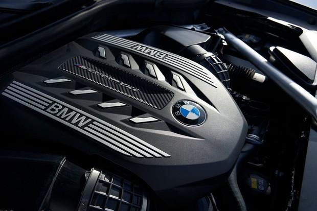 Novo BMW X6 M50i (Foto: Divulgação)