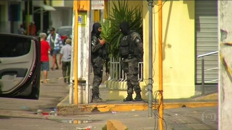 Tentativa de assalto terminou com 14 mortos no interior do Ceará — Foto: Reprodução/JN