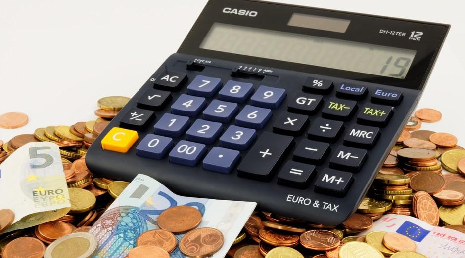 calculadora, dinheiro (Foto:  Reprodução/Pexels)