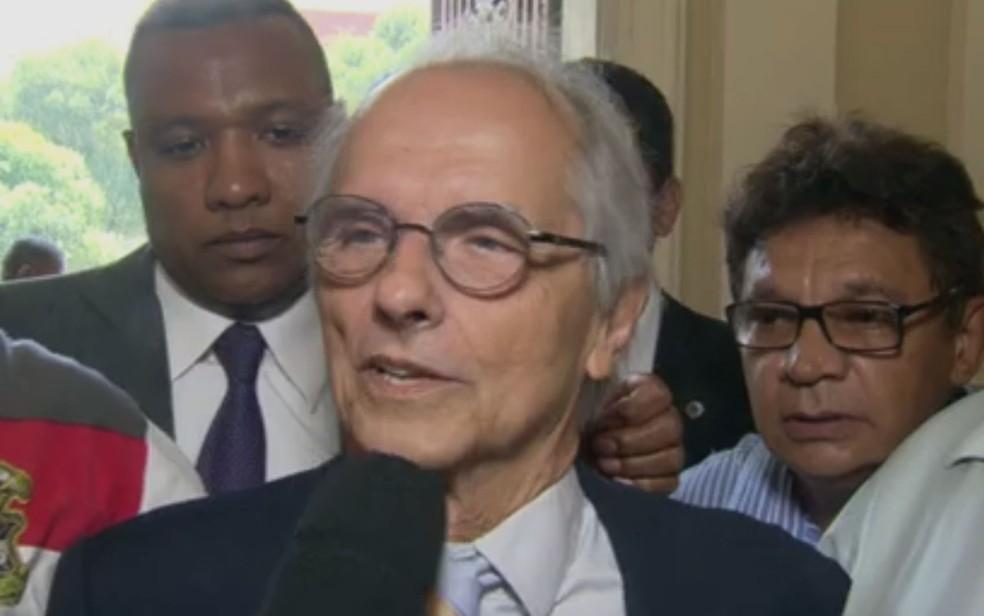 Vice-prefeito do Rio, Fernando Mac Dowell, tem dívidas de IPTU, IR e ISS (Foto: Reprodução / TV Globo)