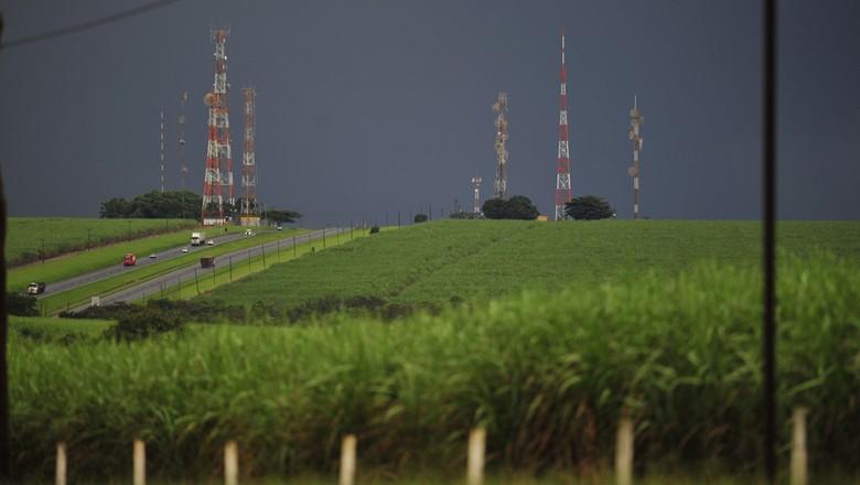 agricultura_campo_cana_antenas (Foto: Ernesto de Souza/Ed. Globo)