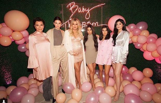 As Kardashian no chá de bebê da filha de Khloe (Foto: Reprodução/Instagram)