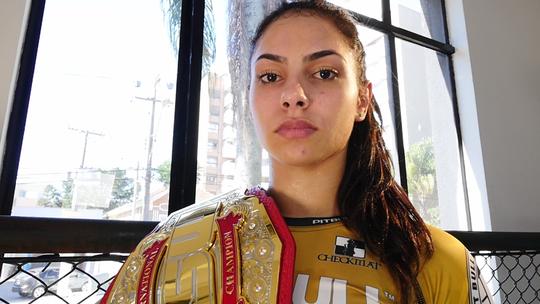 Campeã de MMA, Ariane Lipski fala sobre Jeiza, de 'A Força do Querer': 'Abre portas para as lutadoras'