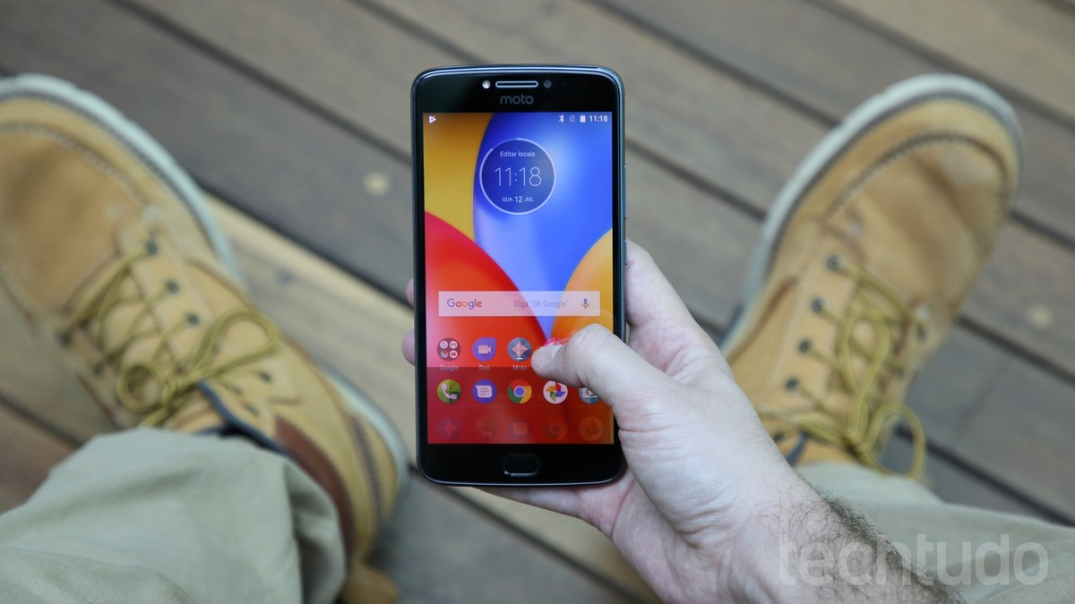 924163c3a Moto E4 impressiona num primeiro olhar  celular tem preço camarada ...
