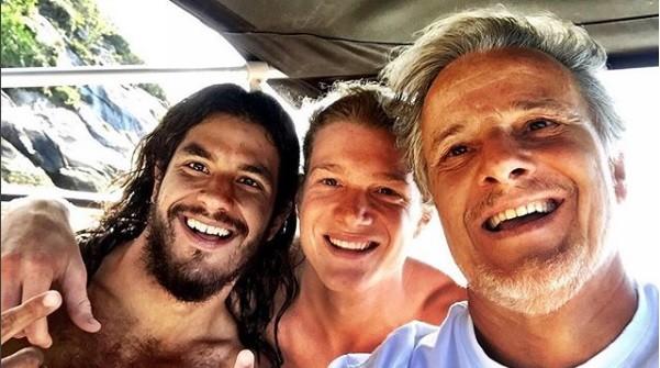 O ator com os filhos, Diogo e Pedro (Foto: Reprodução/Instagram)