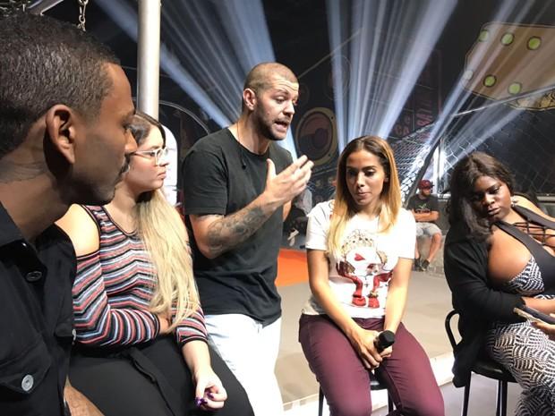 Nego do Borel, Marília Mendonça, Victor Sarro, Anitta e Jojo Todynho durante o ensaio (Foto: Rafael Godinho/Ed.Globo)