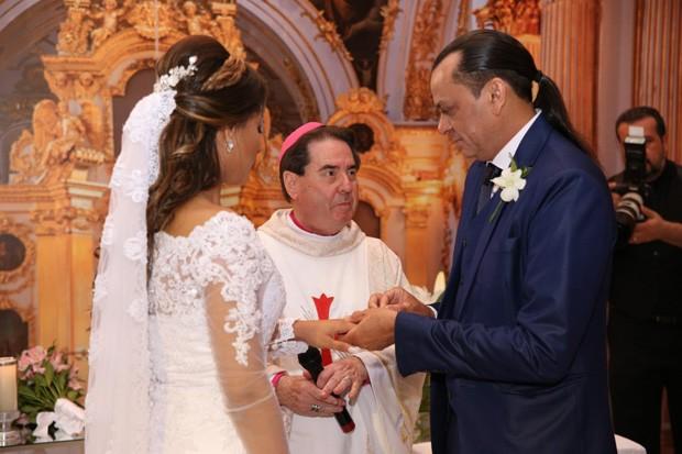 Frank Aguiar e Carol Santos se casam  (Foto: Deividi Correa / AgNews)