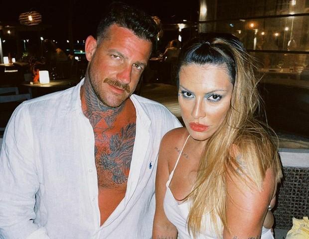 Cleo e marido (Foto: Reprodução/Instagram)