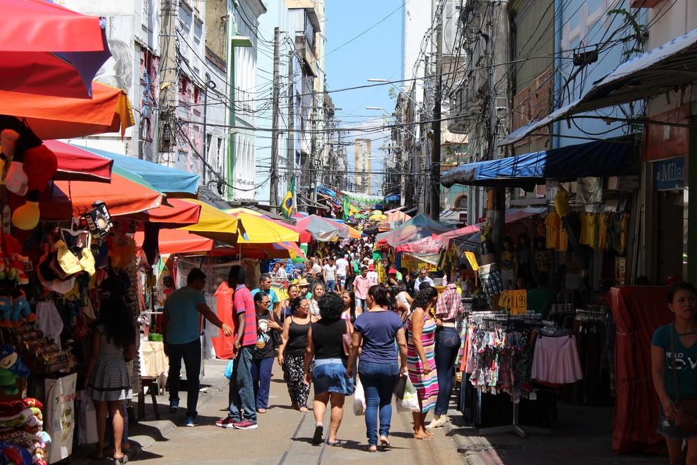 Rua Marechal Deodoro, no Centro de Manaus, em dia sem jogo do Brasil (Foto: Patrick Marques/G1 AM)