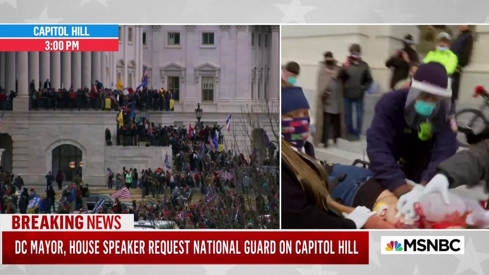 Mulher ferida é retirada do Capitólio dos EUA pela equipe de emergência em 6 de janeiro de 2021 — Foto: Reprodução/MSNBC