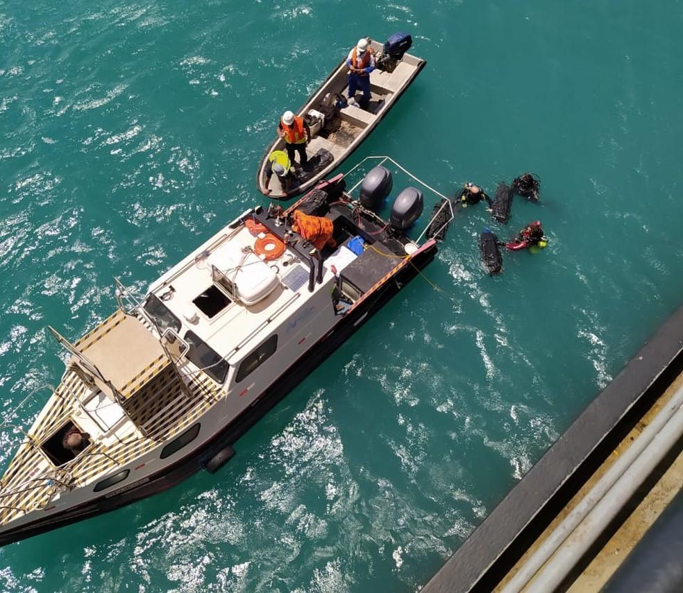 Droga apreendida pela PF foi encontrada no casco de embarcação no Porto do Pecém, na Grande Fortaleza.  — Foto: PF/Divulgação