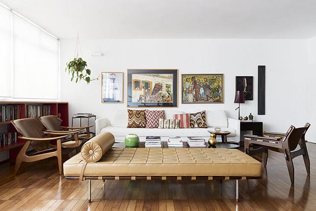 A sala  com móveis Vintage (Foto: Christian Maldonado)