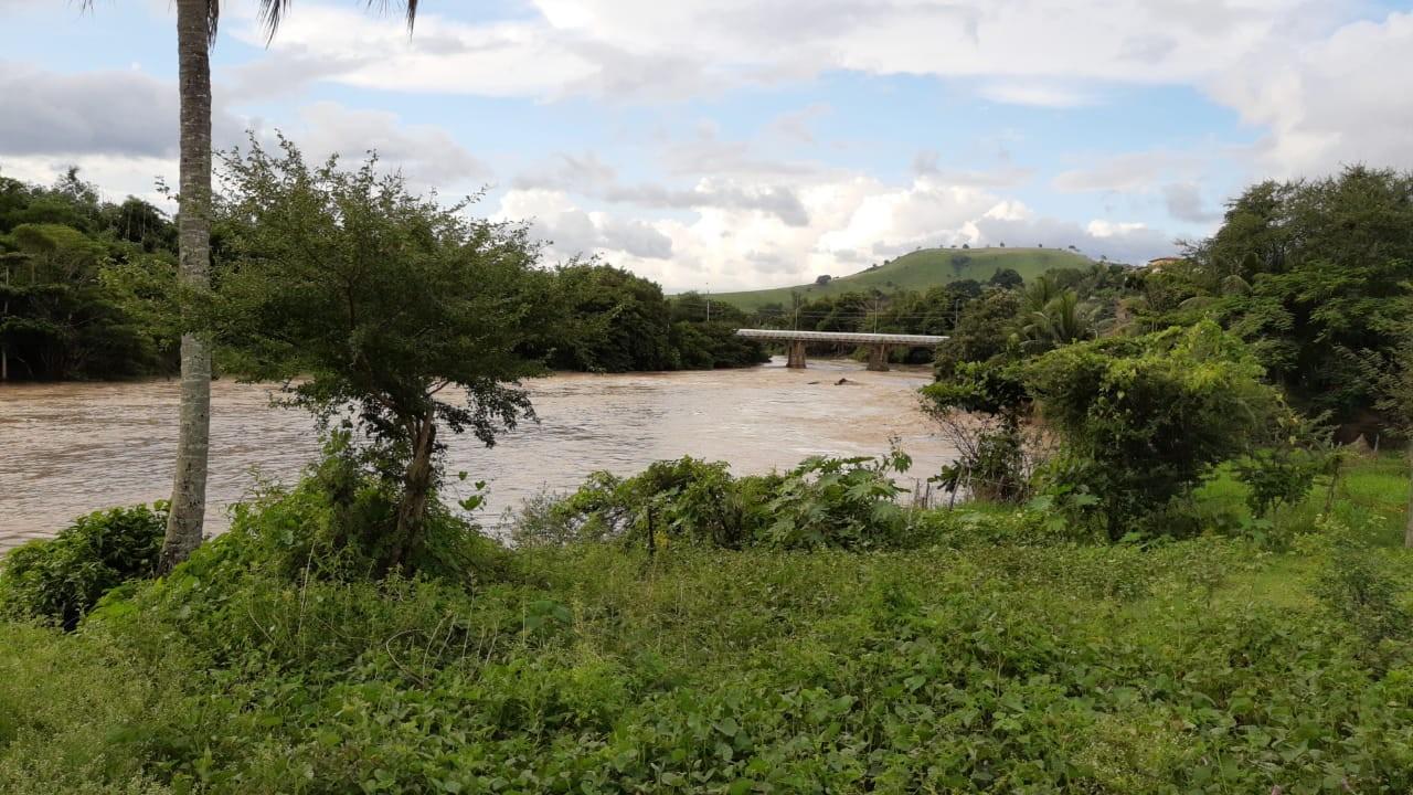 Rio Mundaú, em União dos Palmares, AL, atinge cota de alerta e chega a 3 metros