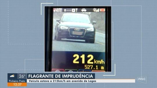 Carro é flagrado a 212 km/h em rodovia em SC onde velocidade máxima permitida é 80 km/h
