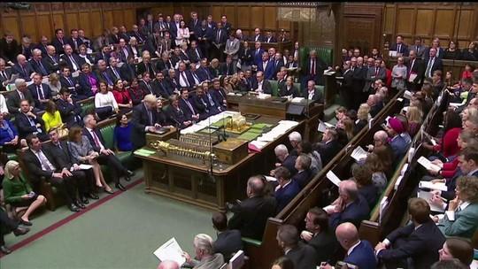 Boris Johnson pede extensão do prazo do Brexit