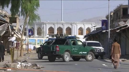 Afeganistão tem dia de explosões e mortes em dia de eleições marcadas por ameaça do Talibã