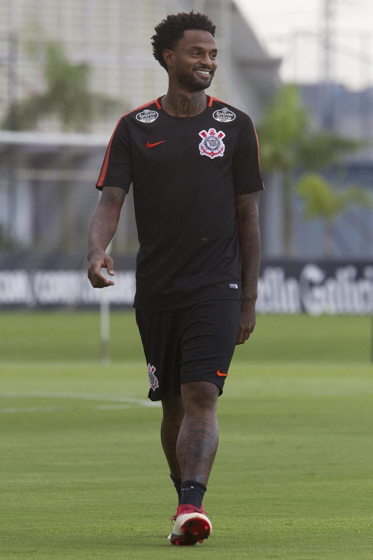 22c49c8457 Renê Júnior comemora vaga entre titulares no Corinthians e faz elogios ao  amigo Roger