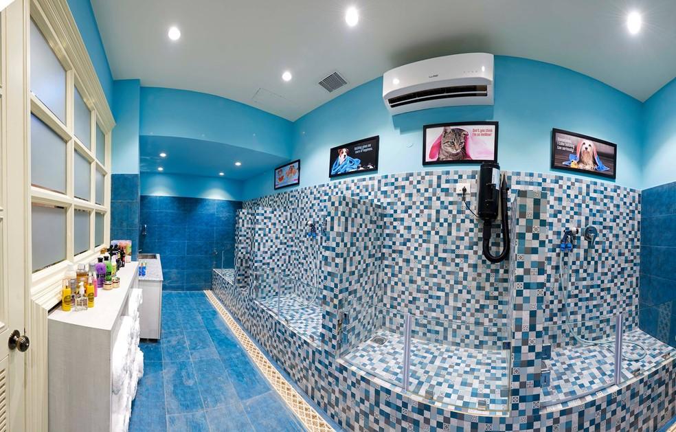 Banheiro do hotel de luxo para cães na Índia (Foto: Critterati/Divulgação)