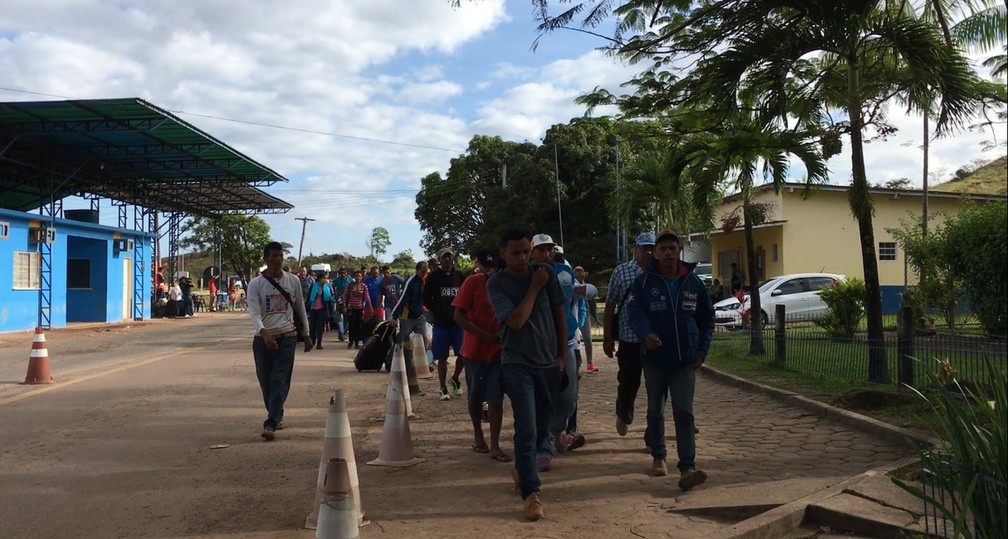 Estima-se que por dia uma média de 500 venezuelanos cruzam a fronteira de Roraima para fugir do regime de Nicolás Maduro (Foto: Emily Costa/G1 RR/Arquivo )