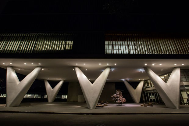 Novo restaurante em edifício de Oscar Niemeyer tem vista para o Ibirapuera (Foto: Rubens Kato)