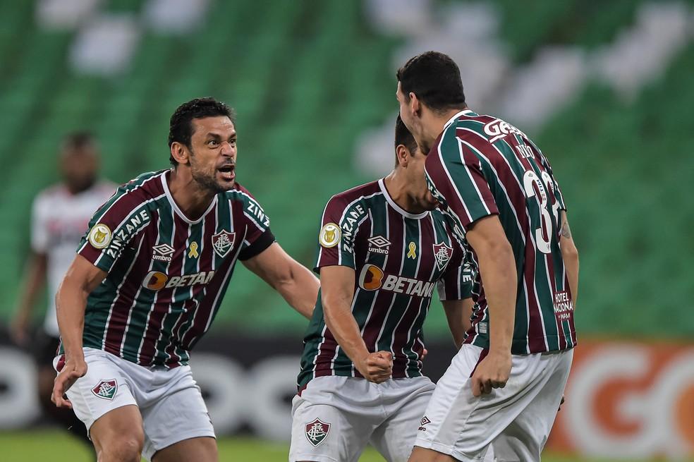 Fred e Nino foram decisivos para vitória difícil em cima do São Paulo — Foto: Thiago Ribeiro / AGIF