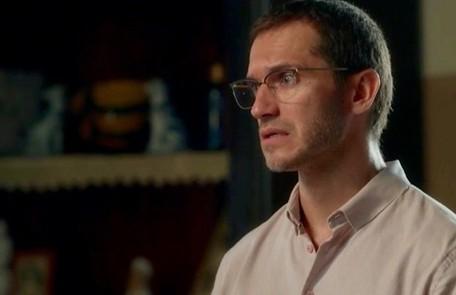 No capítulo de segunda-feira (6), Aranha (Paulo Rocha) verá o rosto do serial killer antes de ser assassinado TV Globo