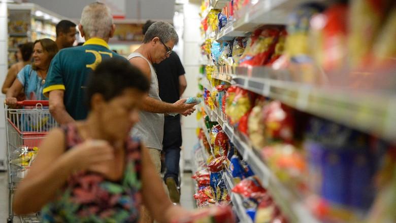mercado-consumidor (Foto: Tânia Rêgo/Agência Brasil)