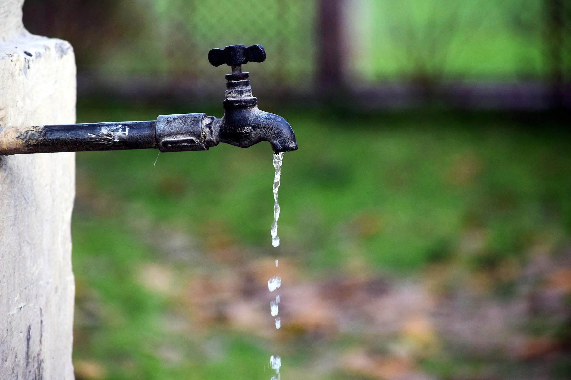 Rompimento de rede pode afetar abastecimento de água em quatro bairros de Curitiba, nesta quinta-feira (15); veja quais são