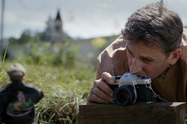 Steve Carell em Bem-vindos a Marwen (Foto: Reprodução)