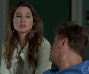 Na sexta-feira (18), Natasha (LaviniaVlasak) avisa a Arthur e Jojô (Giovana Rispoli) que não irá mais para Miami. | TV Globo