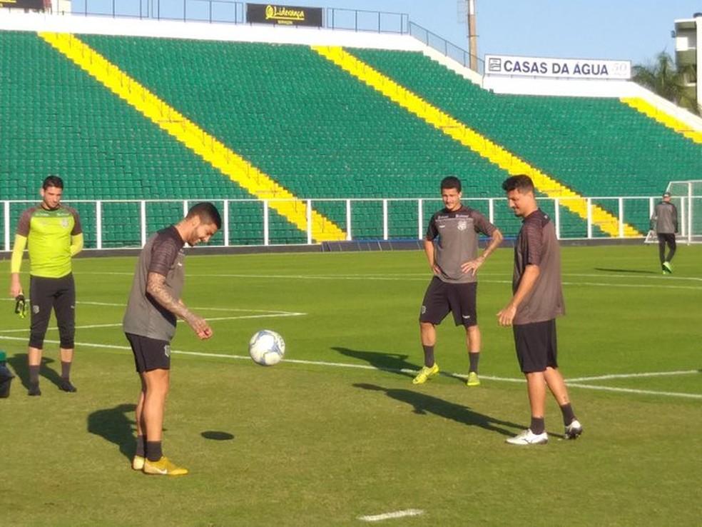 Pegorari,Everton Santos e Léo Costa estão no BID — Foto: Guto Marchiori