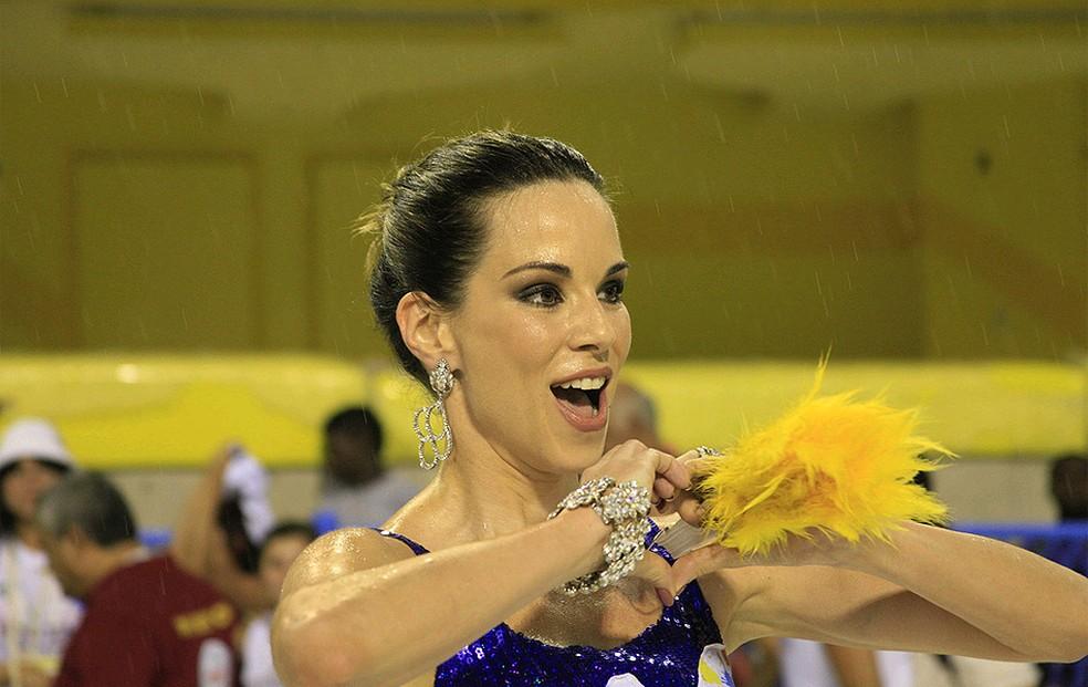 A atriz Ana Furtado fez questão de prestigiar a escola de samba Pimpolhos da Grande Rio (Foto: AF Rodrigues/Divulgação Riotur)