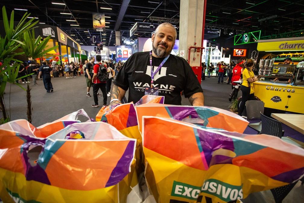 Jarbas Faria Júnior gastou R$ 1,5 mil em colecionáveis exclusivos da CCXP 2018 — Foto: Fabio Tito/G1