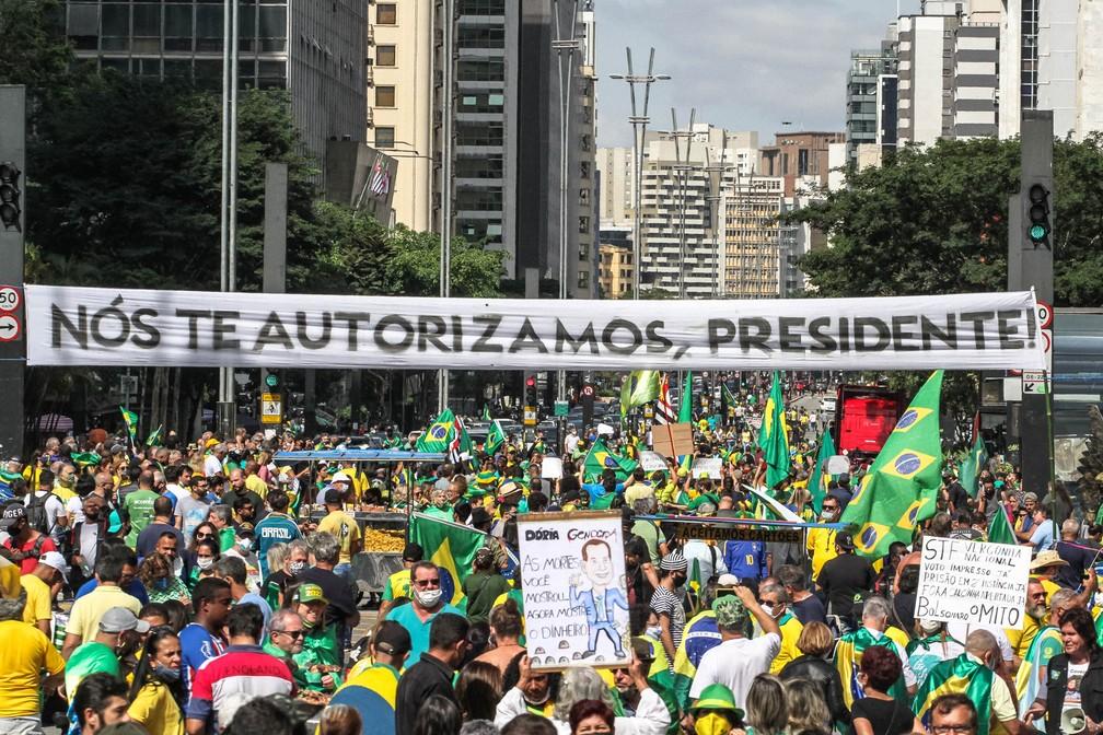 Apoiadores participam de um ato em favor do presidente da República, Jair Bolsonaro, na Avenida Paulista, em São Paulo, neste sábado, 1º de maio de 2021 — Foto: Bruno Escolástico/PhotoPress/Estadão Conteúdo